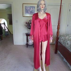 Gillian & O'Malley Red Satin Robe/Cami Set SizeS/M